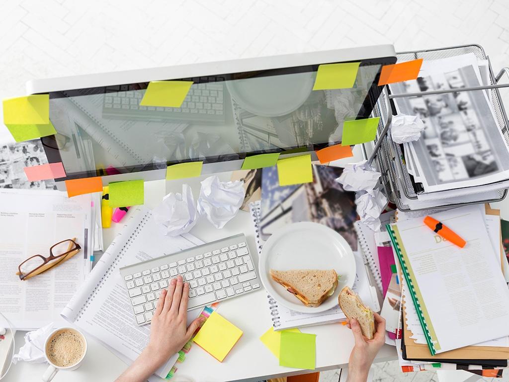 Messy-Desk