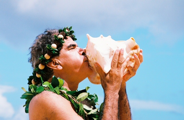 roland blowing the conch 0029.jpg